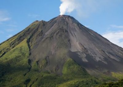 Custom Costa Rica Travel Package (9 Nights) – Volcanoes, National Parks and Wildlife Refuge, River Safari and Beaches Vacation Package