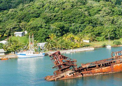 Custom Honduras Travel Package (6 Nights) – Pico Bonito National Park and Roatan Island Vacation Package